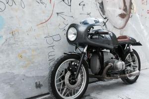 Chrom světlomet 7inch LTD - Cafe Racer v kapotáži Motoforza