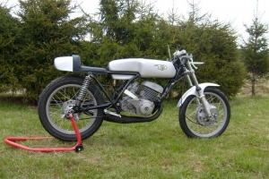 ČZ 250 Junior) 1963- / díly motoforza na motocyklu