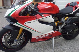 Ducati 899 1199  parts Motoforza on bike