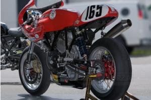Sedlo racing - UNI / Ducati Paul Smart, 750,900SS, sport 1000e