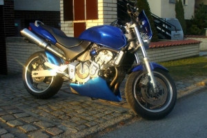 UNI Bellypan na moto Hornet 600