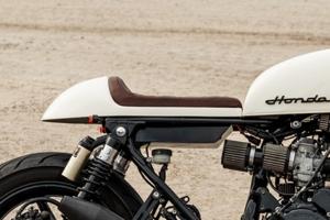 UNI Sedlo CAFE RACER v.9 - Honda CB 750 Seven Fifty