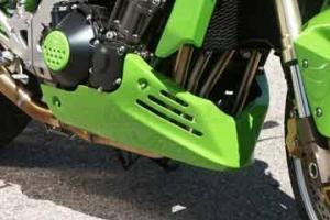 Klín pod motor Kawasaki Z750 2002-2006 / UNI verze 1, na moto Z1000 2002-2006