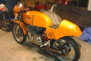 Laverda SFC 750 1974  Přední blatník GFK - na moto