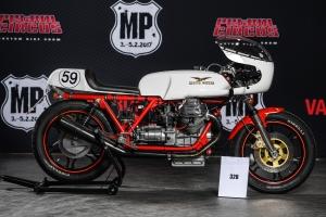 Polokapotáž GFK-sklolaminát Laverda SFC 750, Motoguzzi, Triumph- na moto Moto Guzzi 1000 SP 1983