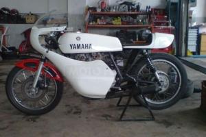 UNI Sedlo Yamaha XS XR SR RD se světlem - SET