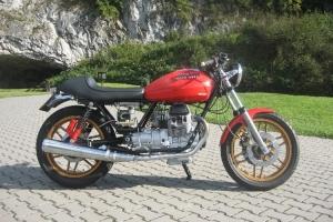 UNIVERSAL Přední blatník 250-750cc verze 2, GFK na motorce