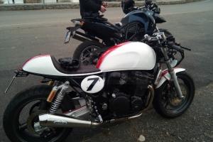 UNI Höcker CAFE RACER V.3  on bike Suzuki Inazuma 750