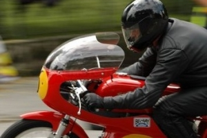 Plexi UNIVERSAL verze 4 na motocyklu Aermacchi 250,350-402 59-73