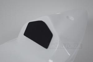 Pěna TYP D - opěrka k sedlu -ukázka na Kawasaki ZX6R 2009-2017 636 2013-