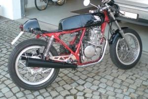 Díly Motoforza - Nádrž verze 2 rovná , GFK s Monza zátkou, sedlo na Honda CB 400