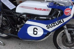 Suzuki 750 3-válec, 1970 kapoty na moto