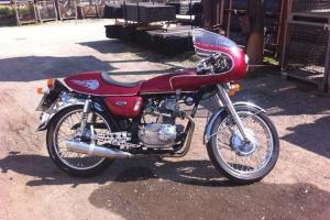 UNI Polokapotáž 125-250cc  GFK na motocyklu