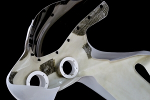 preview - Upper part racing Yamaha R7  with projectors installation 2x84mm