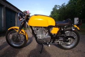 Norton Manx - Nádrž  na moto cafe racer Yamaha SR500