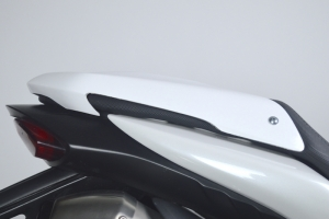 Kryt sedla spolujezdce GFK-sklolaminát - Triumph Speed Triple 1050 2011-2015