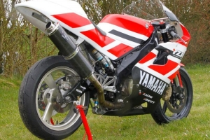 Parts on bike Yamaha szr 660